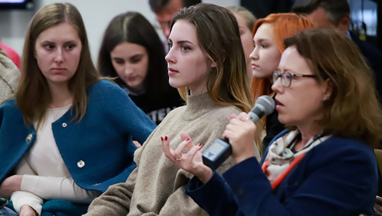Photo of participants at IREX's Ukraine media event