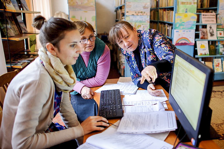 Connecting Moldovans to digital public services at libraries