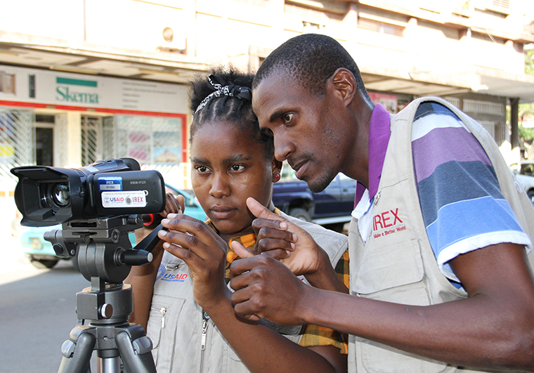 Supporting news for and by the deaf in Mozambique